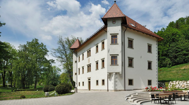 the Renaissance manor