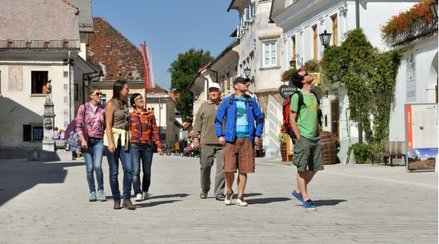 Guided tours of the old town centre